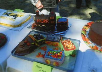 Image of birthday cakes on table